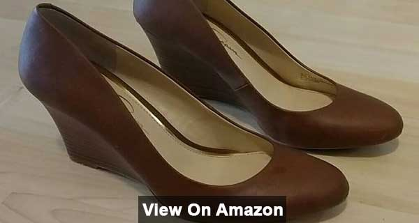 Jessica Simpson cash wedges for stylish look
