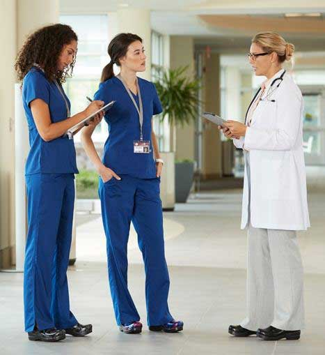 nurses wear clogs for uniform