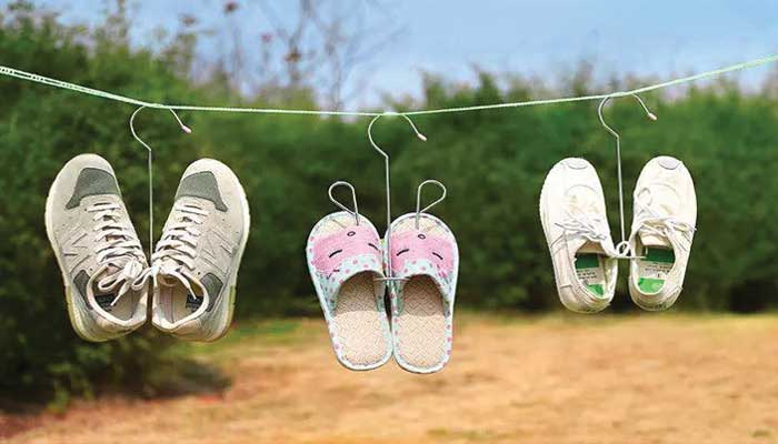 Does sunlight remove the smell of shoes?