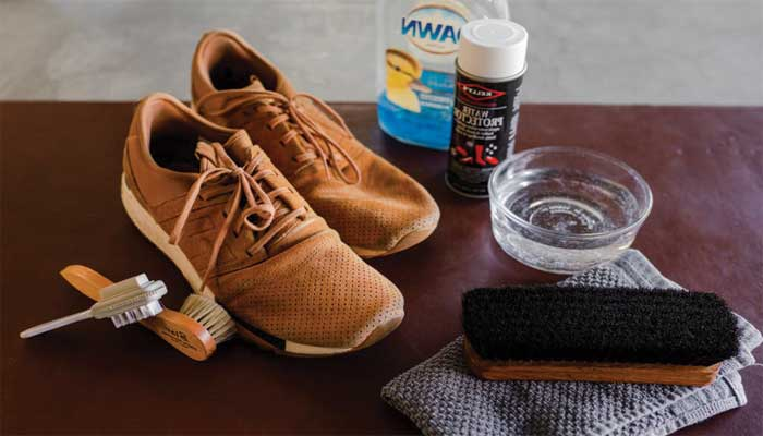 How to disinfect shoes made of leather?